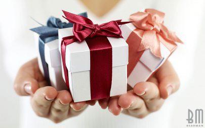 Как правильно выбирать подарки дорогим сердцу людям
