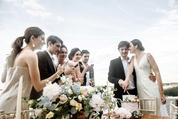Крутой фотограф на свадьбу в Новосибирске Дубынин Александр — яркие цвета, живые образы, профессиональный подход.